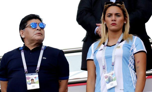 Diego Maradona nähtiin puolisonsa kanssa yhdessä Venäjän MM-kisoissakin.