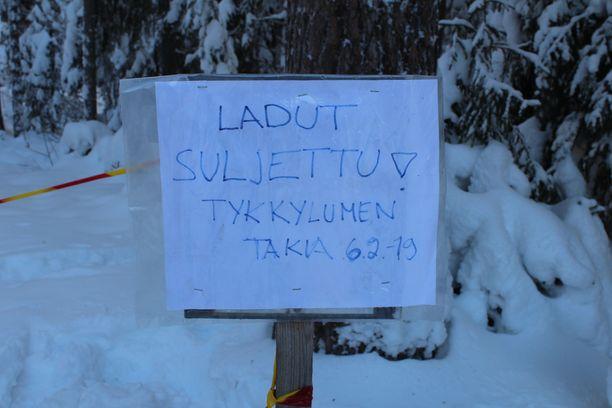 Jyväskylä tiedotti keskiviikkona, että Touruvuoren alueen hiihtoladut jouduttiin sulkemaan tiistai-iltana 5.2. tykkylumesta johtuvan turvallisuusriskin vuoksi.