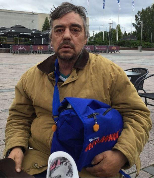 Poliisi kaipaa vinkkejä Tomi Juutin katoamiseen liittyen.