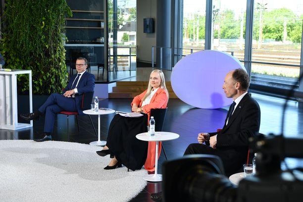 Perussuomalaisten Jussi Halla-ahon (oik.) mukaan puolueelle ei ole helppoa karsia kuntavaaliehdokkaita etukäteen.