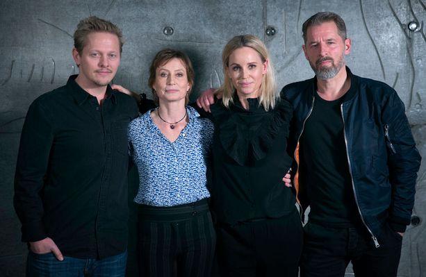 Mikael Birkkjær - eli roolinimeltään Jonas - (oik.) aloitti uutena poliisina neljännellä kaudella.