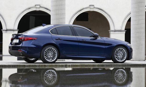 Peräpeili, se jota Alfa-kuski mielellään näyttää muille, on tyylikäs ilman ylilyöntejä.