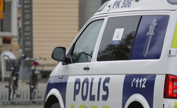 Kuvituskuva. Kuvan poliisiauto ei liity tapaukseen.