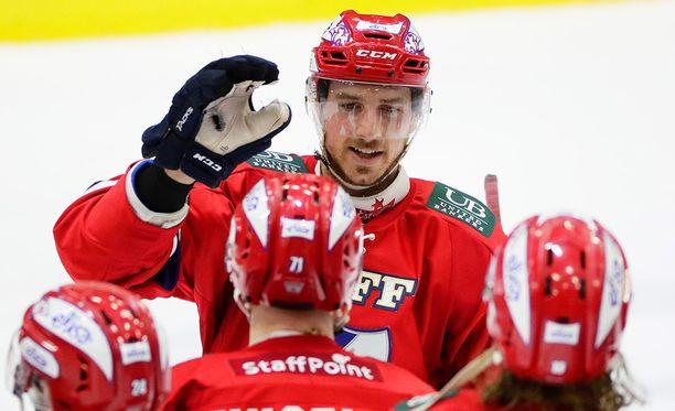 Corey Elkins hyvästeli HIFK:n.