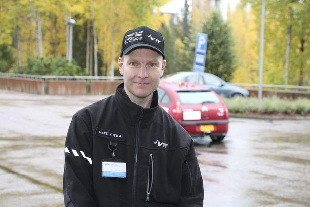 Robottiautoasiantuntija Matti Kutilan viesti on yksiselitteinen: anturijärjestelmiin ei voi luottaa hankalissa keliolosuhteissa.