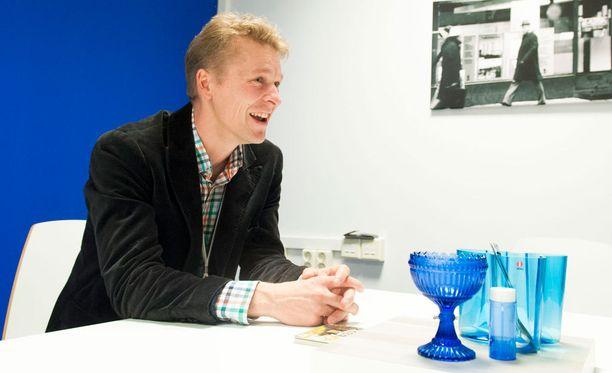 Toni Nieminen teki kokeilun kiinteistönvälittäjänä.