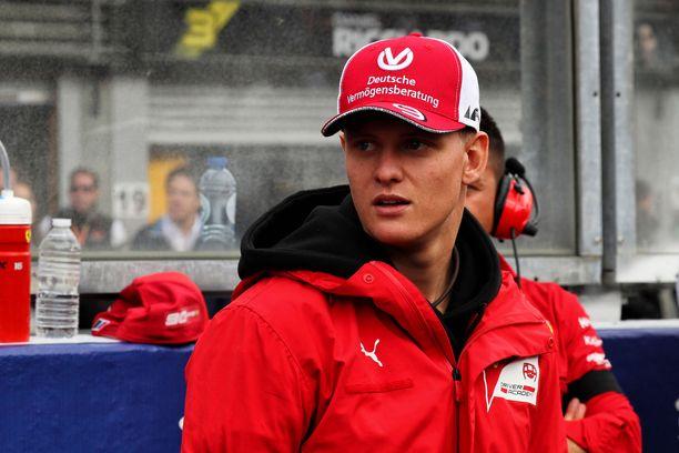 Mick Schumacher kolkuttelee F1-sarjan ovea.
