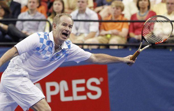 John McEnroe päihitti vanhan arkkivihollisensa tenniskentällä.