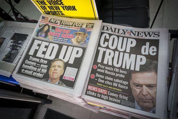 Newyorkilaiset tabloid-lehdet kertoivat FBI-pomon erottamisesta viikko sitten.