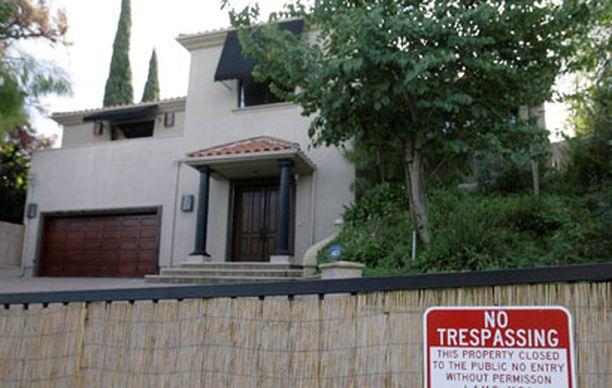 Paula Abdulin talo sijaitsee Sherman Oaksissa Los Angelesissa.