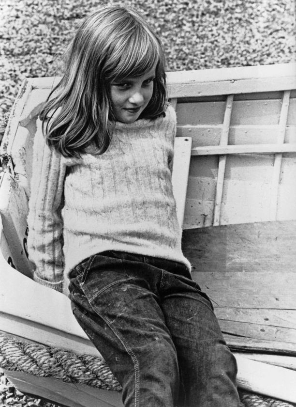 Diana tiesi jo nuorena, että hänen vanhempansa olivat pettyneitä, kun perheen kolmaskin lapsi olikin tyttö.