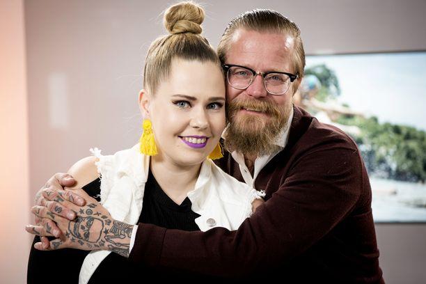 Wallu Valpiota häviö Selviytyjät Suomi -ohjelmassa harmittaa edelleen. Hän kertoo Selviytyjät Suomi -ohjelman käänteistä viihdetoimittaja Anna Hopille.
