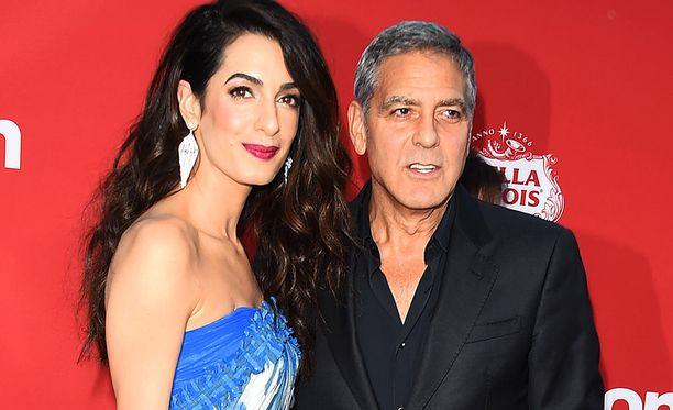Amal ja George Clooneylla on puolen vuoden ikäiset kaksoset.