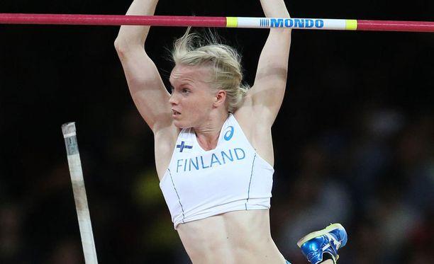 Minna Nikkanen hyppää perjantaina.