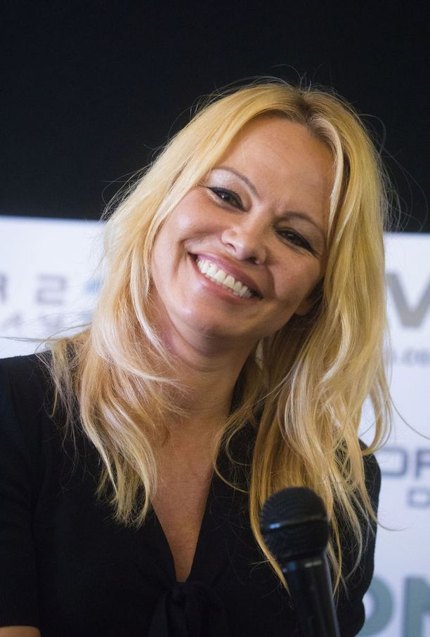 Pamela Andersonilla on sukujuuret Suomessa.