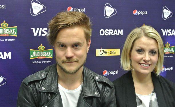 Norma Johnin Lasse Piiraisen ja Leena Tirrosen mukaan järjestelyt Kiovan viisuissa ovat toimineet. Illalla nähdään miten hyvin toimii Blackbird.