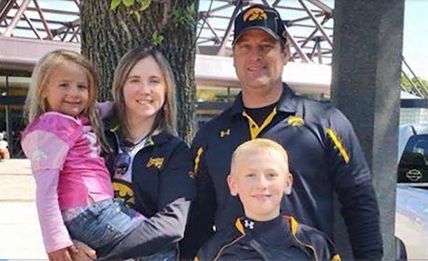 Adrianna, 6, Amy, 38, Kevin, 41, ja Sterling Sharp, 12, kuolivat kesken lomansa. Syyksi epäillään kaasuvuotoa.