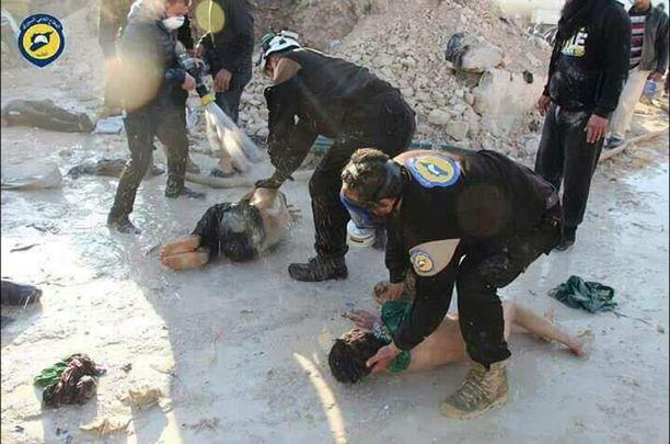 Idlibissä sijaitsevaan Khan Sheikhouniin tehtiin huhtikuun alussa isku sariinikaasulla. Maailmaa järkyttäneessä teossa kuoli yli 80 siviiliä. YK syyttää teosta Syyrian hallinnon joukkoja.