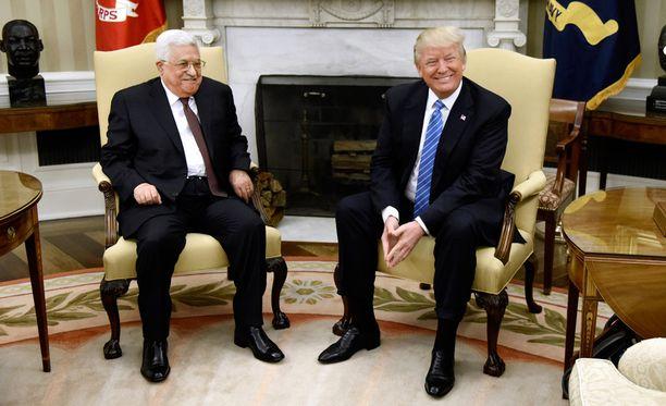 Palestiinalaisten presidentti Mahmud Abbas ja USA:n Donald Trump tapaavat paraikaa Valkoisessa talossa.