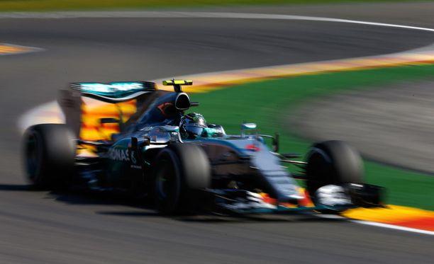 Nico Rosberg säikähti vaaratilannetta, jossa olisi voinut käydä huonosti.