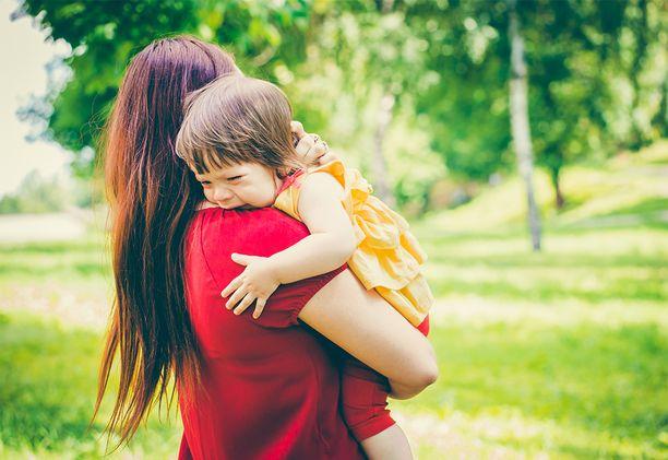 Panostus varhaiskasvatuksen aloitukseen saadaan monikertaisena takaisin, kun lapsi voi hyvin vanhemman lähdettyä töihin, Hanna Paakkari sanoo.