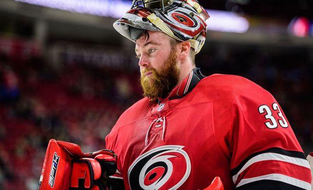 Scott Darling, 29, torjuu neljättä kauttaan NHL:ssä.