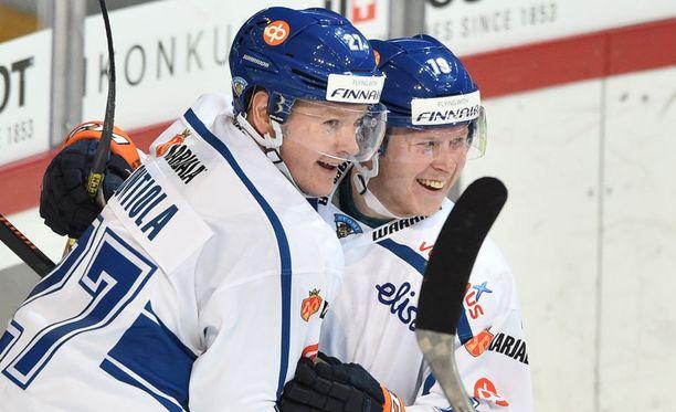Petri Kontiola (vas.) laukoi Suomen voittomaalin torstaina Venäjää vastaan.