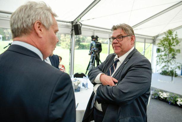 Timo Soinin mukaan yksityiset terveysjättiläiset korjaavat potin, jos sote-uudistus kaatuu. Soinin mukaan SDP tosi asiassa pelkää uudistuksen kaatumista.