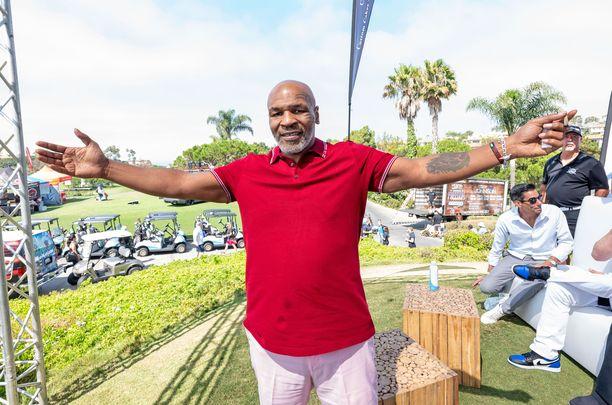 Mike Tyson haluaa palata kehään ryminällä.