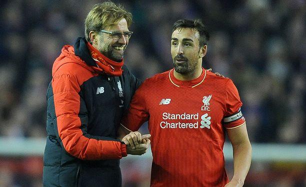 José Enrique (oik.) pääsi kantamaan jopa Liverpoolin kapteeninnauhaa Jürgen Kloppin alaisuudessa.