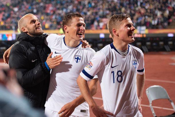 Suomi voi voitolla napata vankan otteen EM-unelmasta.