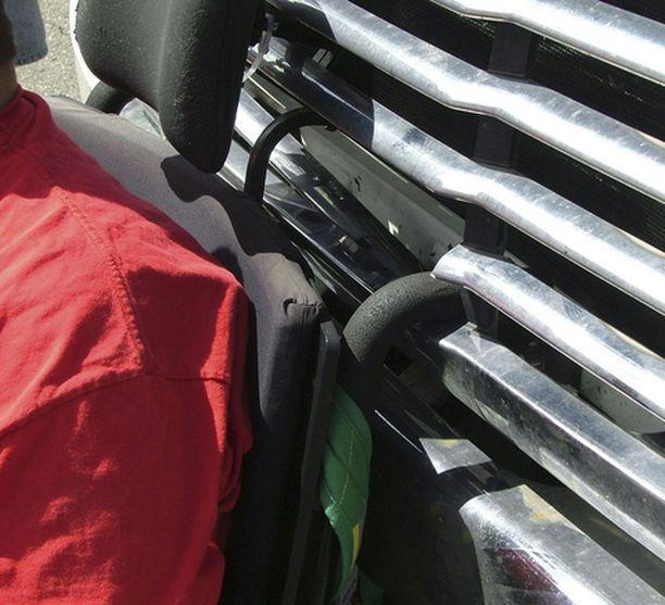 Ben Carpenterin pyörätuoli oli tukevasti kiinni kuorma-auton etumaskissa.