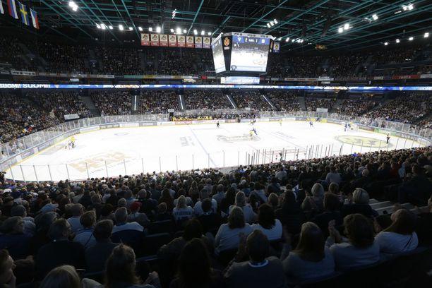 Leijona-pelaajat nauttivat suomalaisten silmissä suurta suosiota.