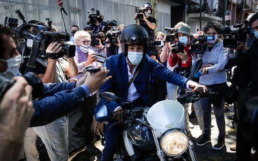 """""""Läski kuolee"""" – Diego Maradonan lääkärin järkyttävät Whatsapp-ääniviestit julkaistiin"""