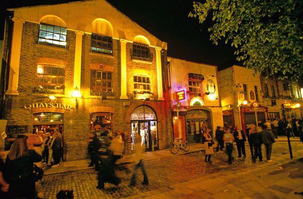 Historiallisesta Dublinista löytyy myös iltaelämää. Pubeissa ei tarvitse istua yksin.