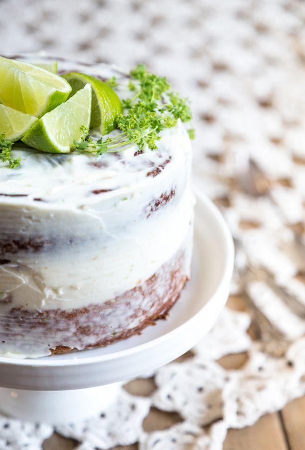 Limecurd antaa kakkuun kivan raikkaan maun.