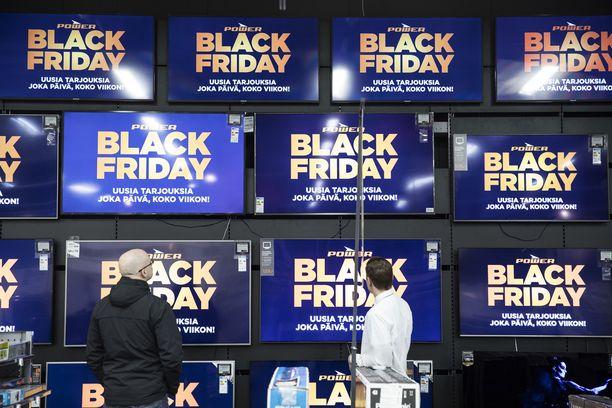 Osa myymälöistä on ottanut varaslähdön Black Friday -päivään ja aloittanut hintojen polkemisen jo alkuviikosta.
