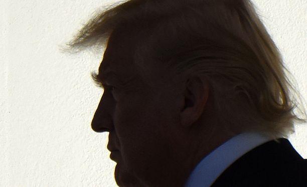 Yhdysvaltain oikeusministeriö vaatii valitustuomioistuinta palauttamaan presidentti Donald Trumpin maahantulokiellon.