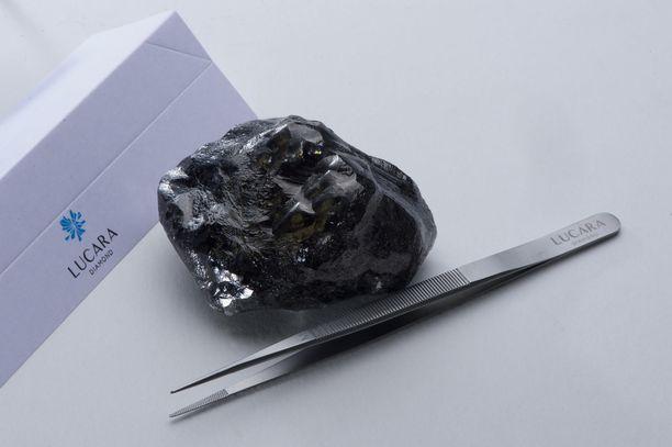 Maailman toiseksi suurimalla timantilla ei ole vielä nimeä.