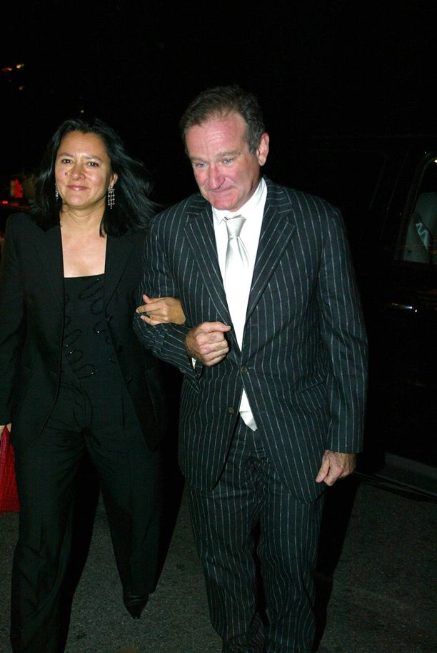 Edesmenneen Robin Williamsin ensimmäinen avioliitto päättyi, kun hän aloitti suhteen lastenhoitaja Marsha Garcesin (kuvassa) kanssa.