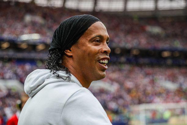 Brasilialaisen futistähden Ronaldinhon poika sai ammattilaissopimuksen.