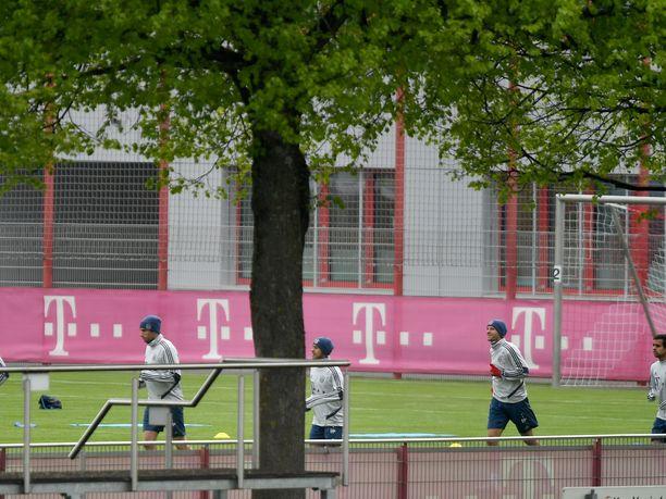 Bundesliigan joukkueet ovat saaneet harjoitella pienryhmissä ja tiukoin turvamääräyksin huhtikuun puolesta välistä saakka.