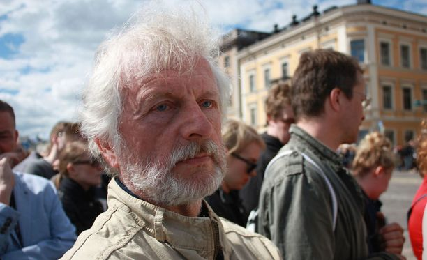 Kari Kauhanen halusi olla saattamassa presidentti Mauno Koivistoa viimeiselle matkalle, koska oli henkilökohtaisesti päässyt hieman tutustumaan entiseen päämieheen.