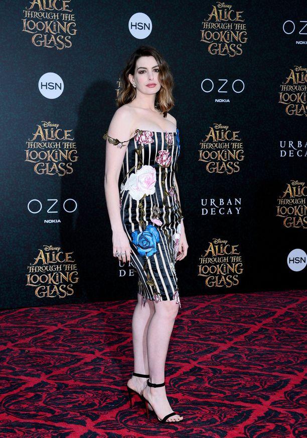 Anne Hathaway treenaa tällä hetkellä saadakseen lisää painoa.