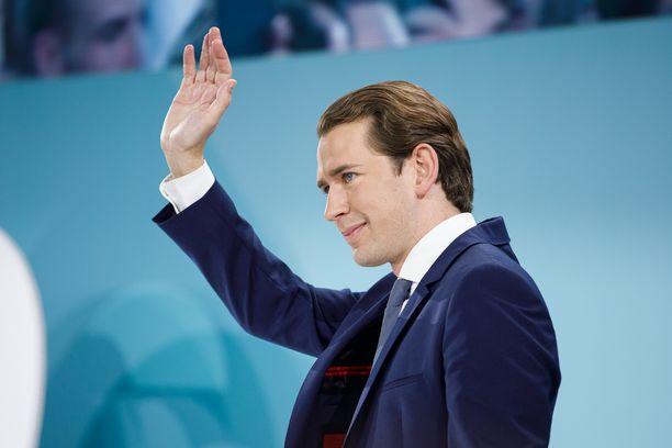 Sebastian Kurzin aikaisempi hallitus kaatui korruptioskandaaliin.