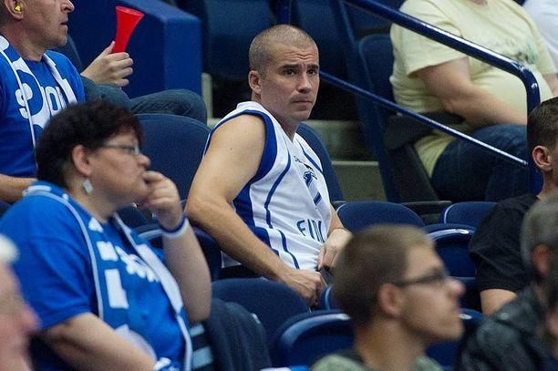 Aleksi Valavuori kommentoi Loimaa Bisonsien nettisivuilla koripallon rahanjakoa.