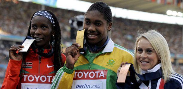 Caster Semenya voitti naisten 800 metrin maailmanmestaruuden.