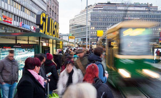 Slush Smackdownia voi pelata Helsingin keskustan raitiovaunupysäkkiä vastaan vielä viikonlopun ajan.