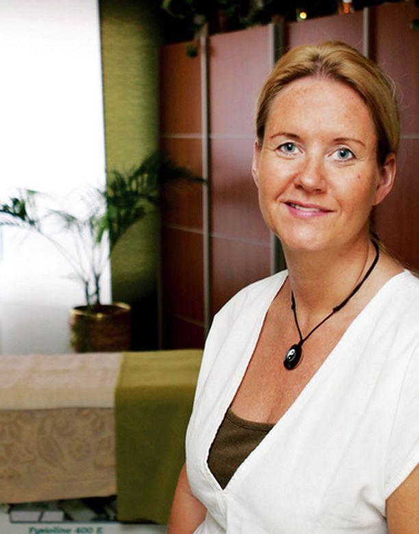 Oman yrityksen perustanut Pia Wikström ei kaipaa takaisin keittiöalan kiireisiin esimiestehtäviin. Elämänmuutos kannatti.