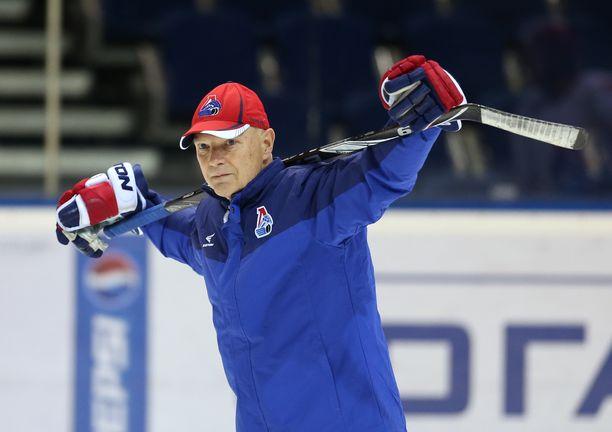 Jorma Valtonen toimi Lokomotiv Jaroslavlin maalivahtivalmentajana neljän kauden ajan. Kuva on vuodelta 2014.
